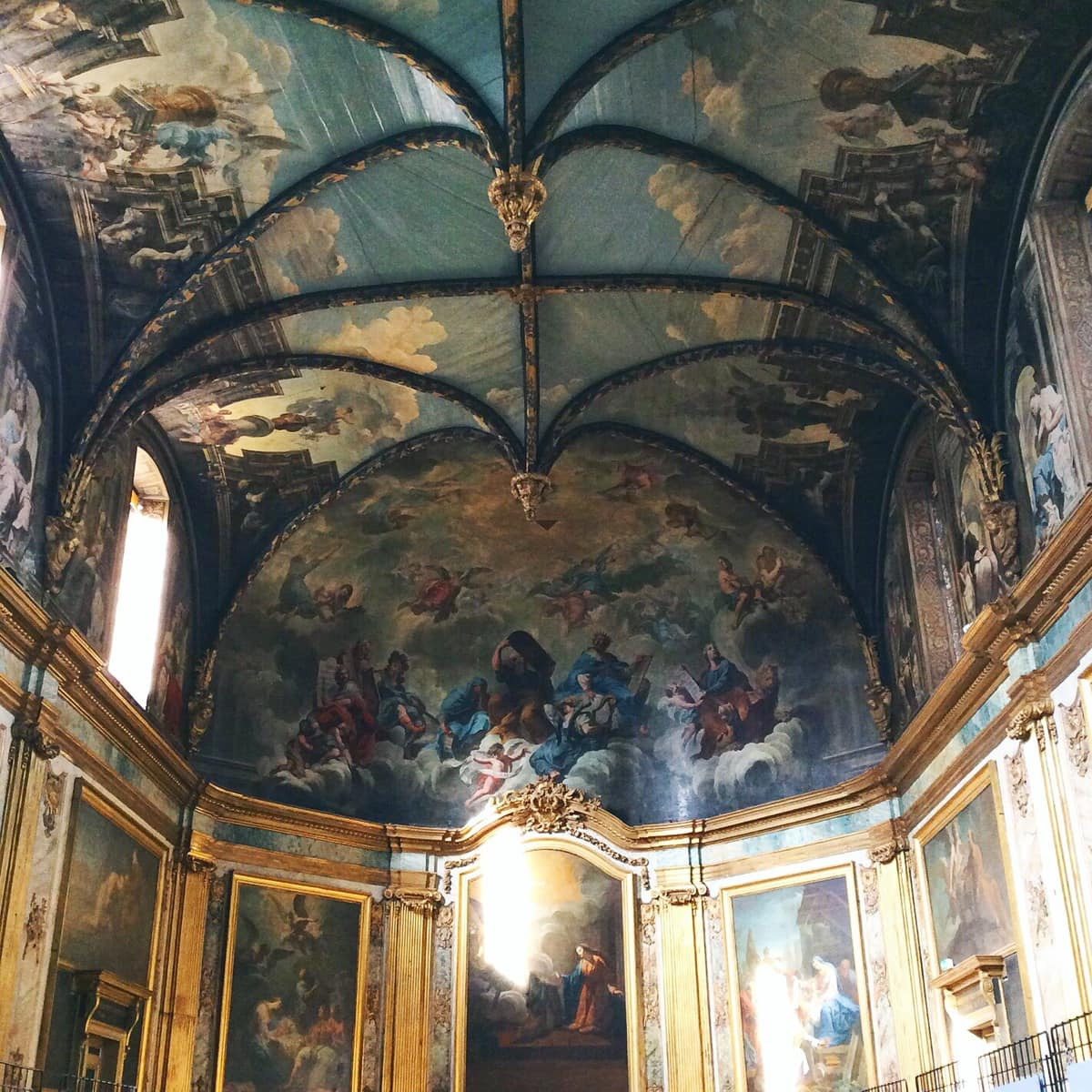 Chapelle des carmelites in Toulouse, France with stunning paintings on the ceiling