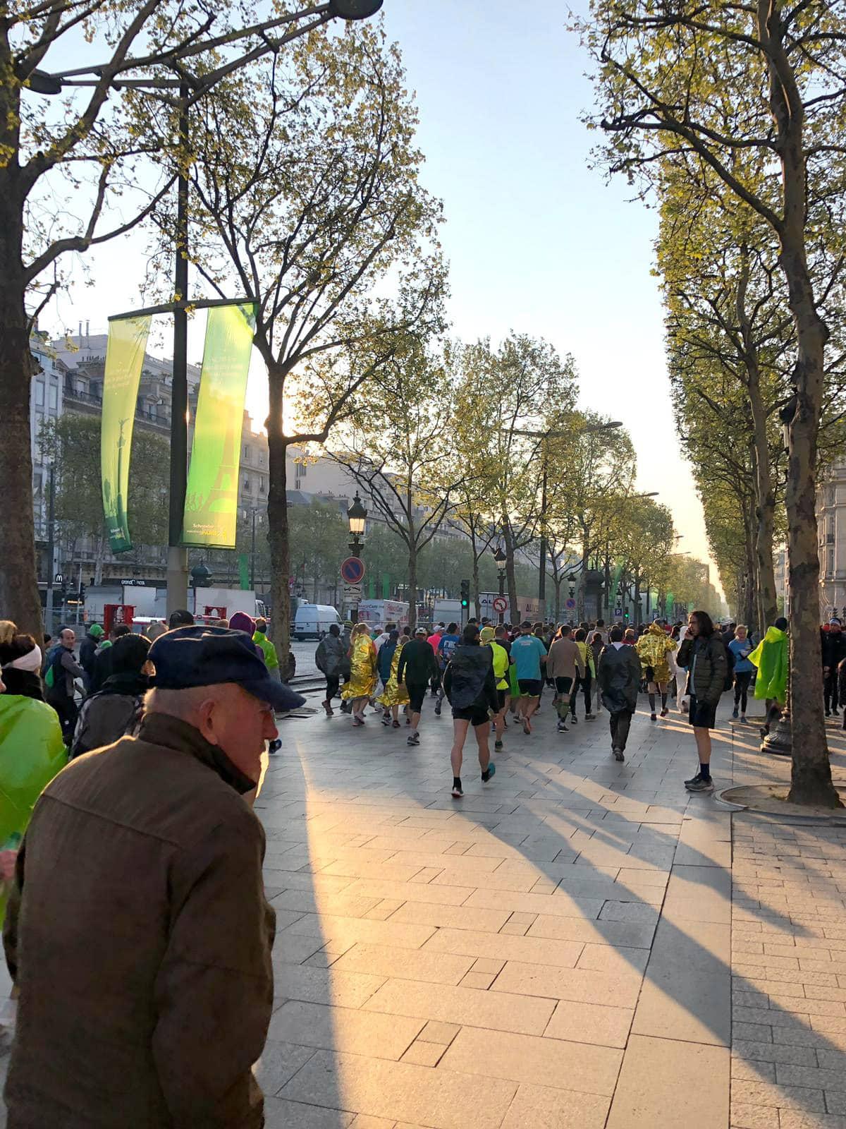 paris marathon start line