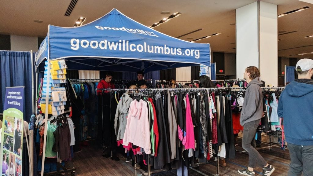 goodwill stand at columbus marathon expo