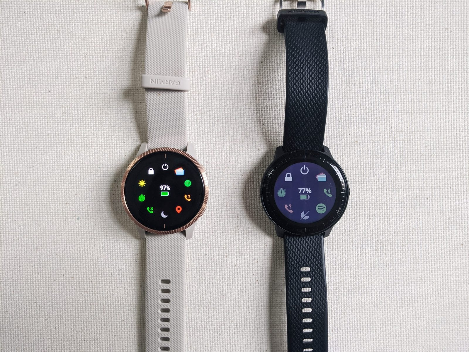 Garmin Venu vs Vivoactive 3 Music display