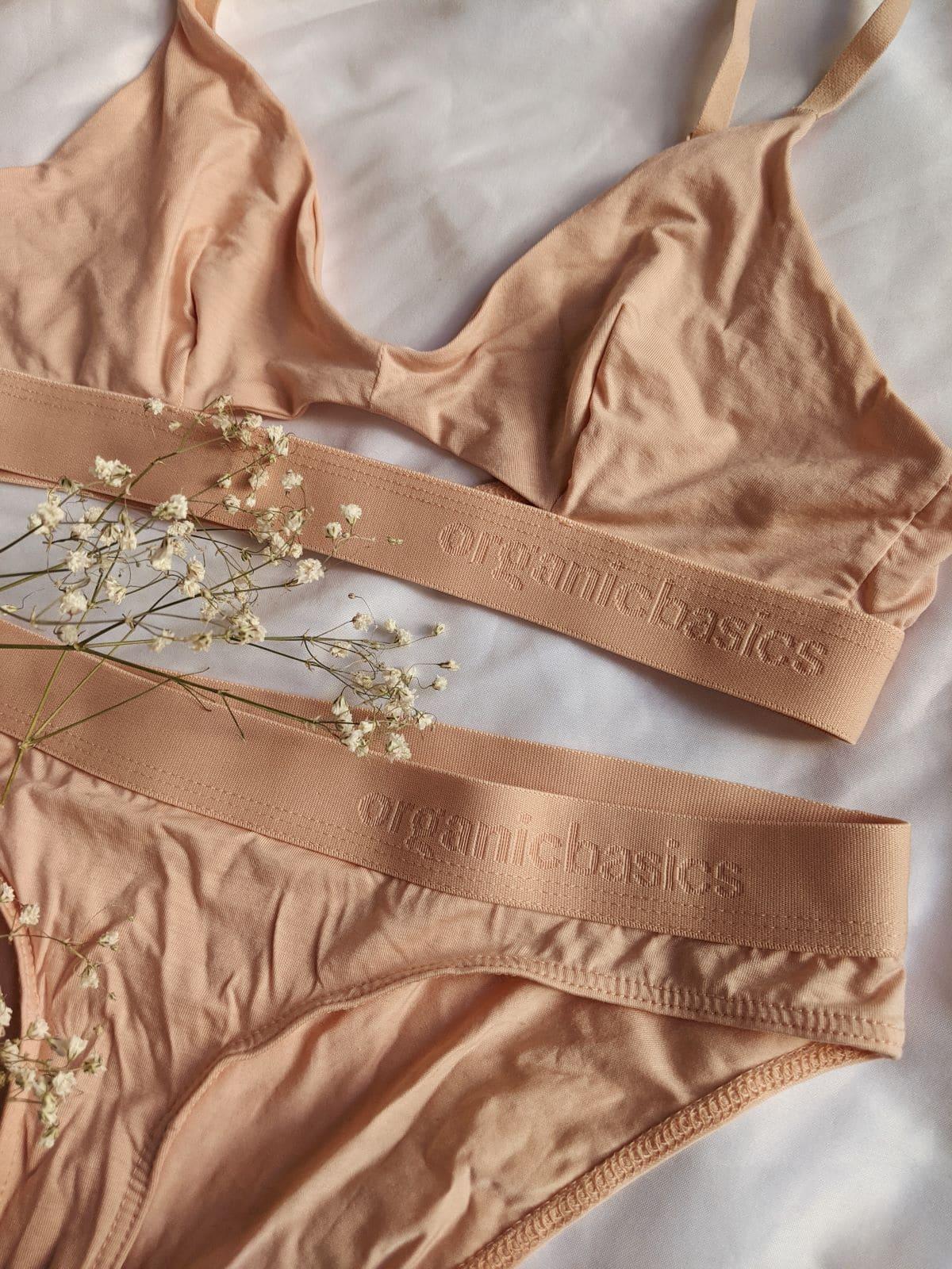 Closeup of the Organic Basics nude/rose Tencel set