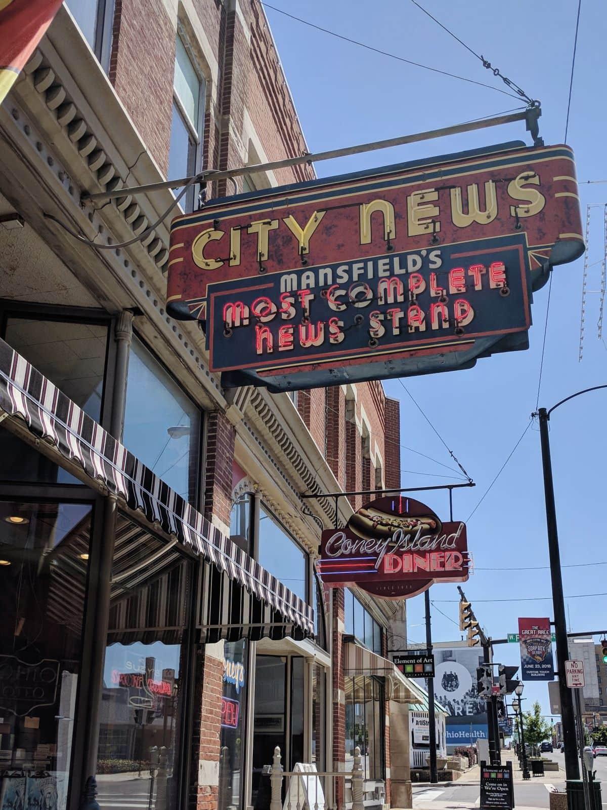 City News neon sign in downton Mansfield Ohio